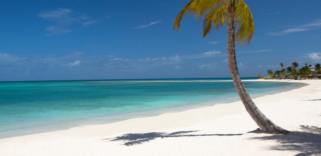 Luxury Yacht Charter French Polynesia – the Atoll Islands of the Tuamotu Archipelago
