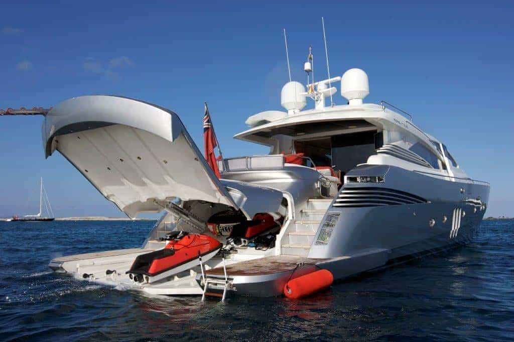 05 Tiger Lily Of London Toy Garage Premium Yachtcharter